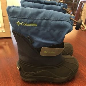 Boys size 10 Colombia winter boots